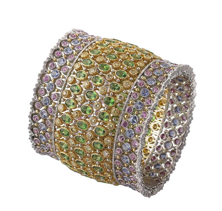 Buccellati bracelets worked to mimic luxurious fabrics make their debut during Paris Couture week
