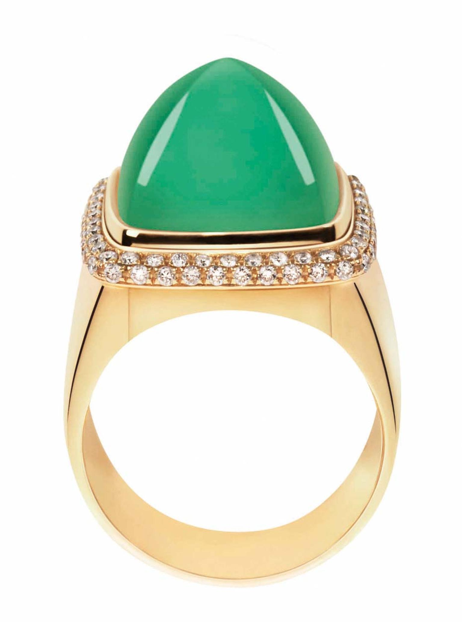FRED Pain de Sucre ring in gold and diamonds with an interchangeable cabochon chrysoprase.