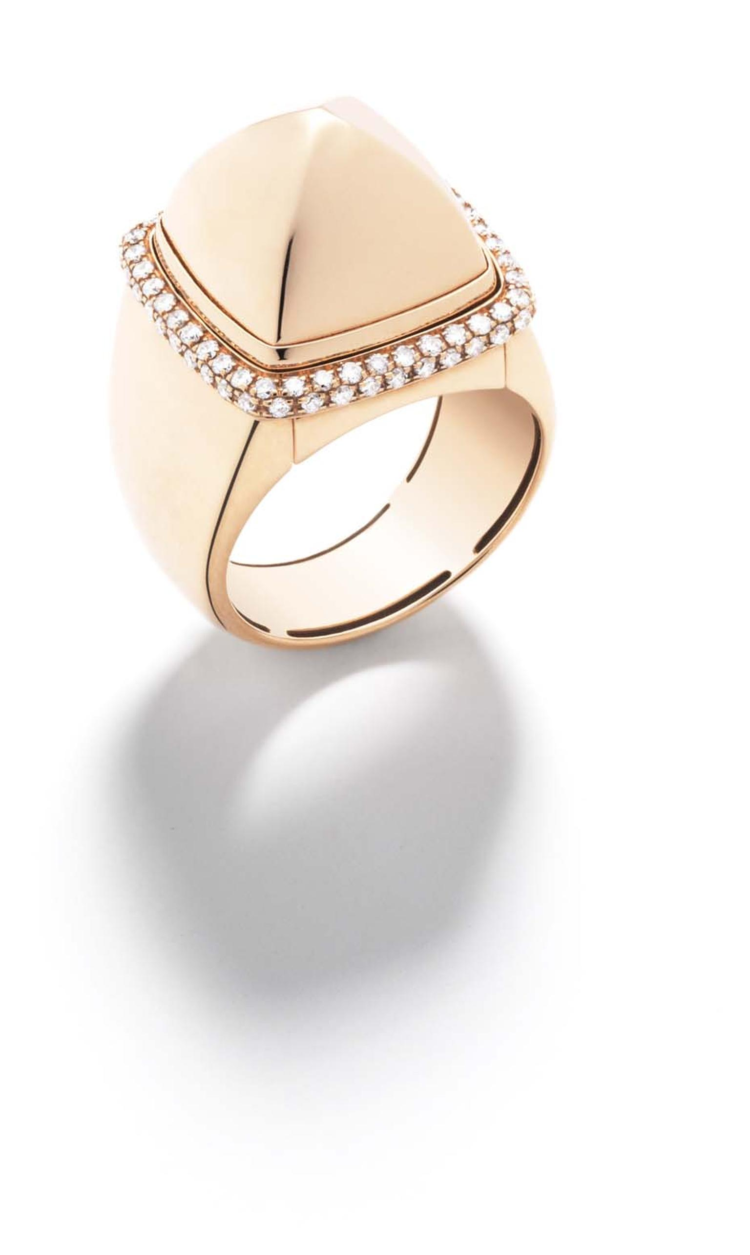 FRED Pain de Sucre collection ring in rose gold and diamonds with an interchangeable cabochon in polished rose gold.