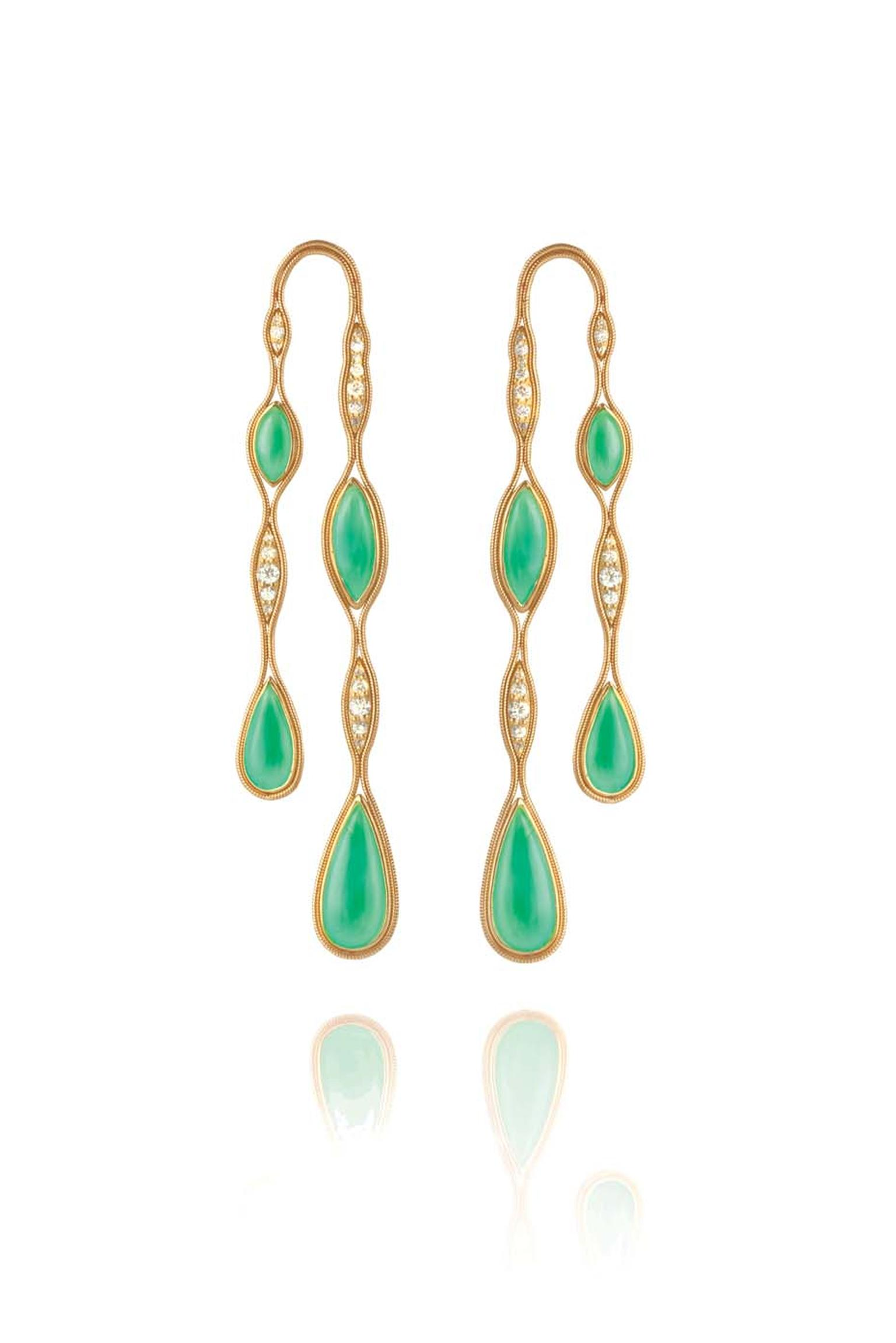 Fernando Jorge Fluid Doubled yellow gold earrings featuring diamonds and chrysoprase.