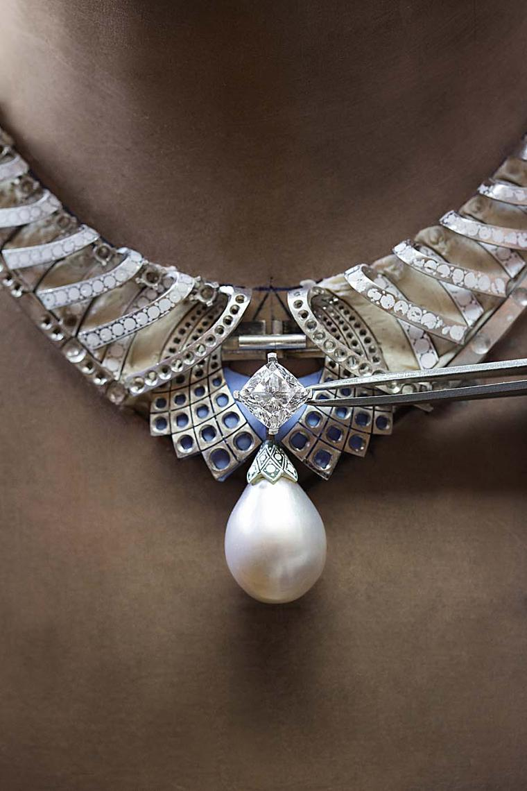 Weighing 8.3 grams and measuring 21.82 x 17.6  x 16.4 mm, the Cartier pearl, which was once owned by Queen Mary of England, is said to be one of the most beautiful in existence thanks to its perfectly symmetrical shape and silvery lustre.