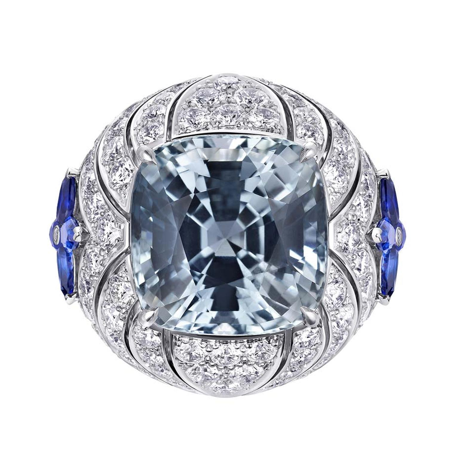 Louis Vuitton Acte V Genesis ring featuring a central Pien Pyit sapphire surrounded by sapphires and diamonds.
