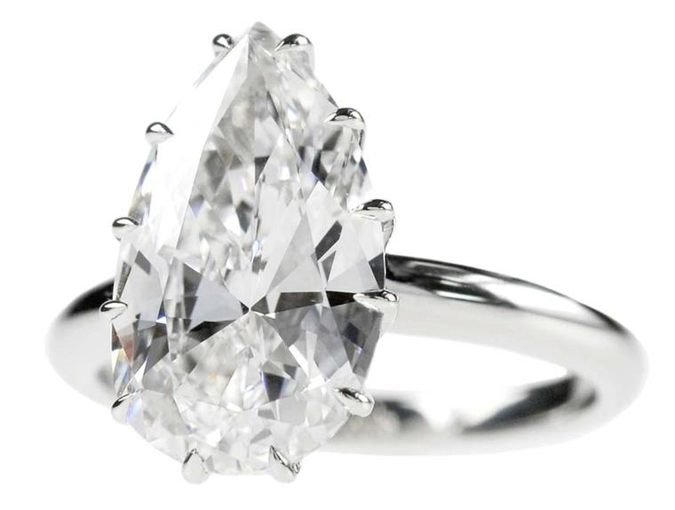Lucie Campbell's classic solitaire setting shows off a 4ct pear-cut diamond ring in all its glory.