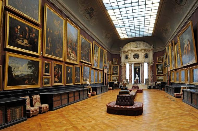 During the Chantilly Arts & Elegance event the castle was open to visitors, with the ancient paintings on display at the Condé Museum, second only to those of the Louvre.