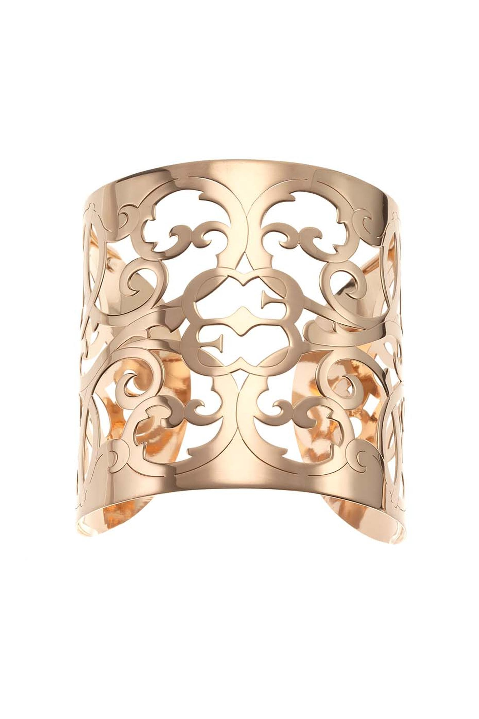 Elena C Celosías collection cuff bracelet in rose gold-plated silver (395€).