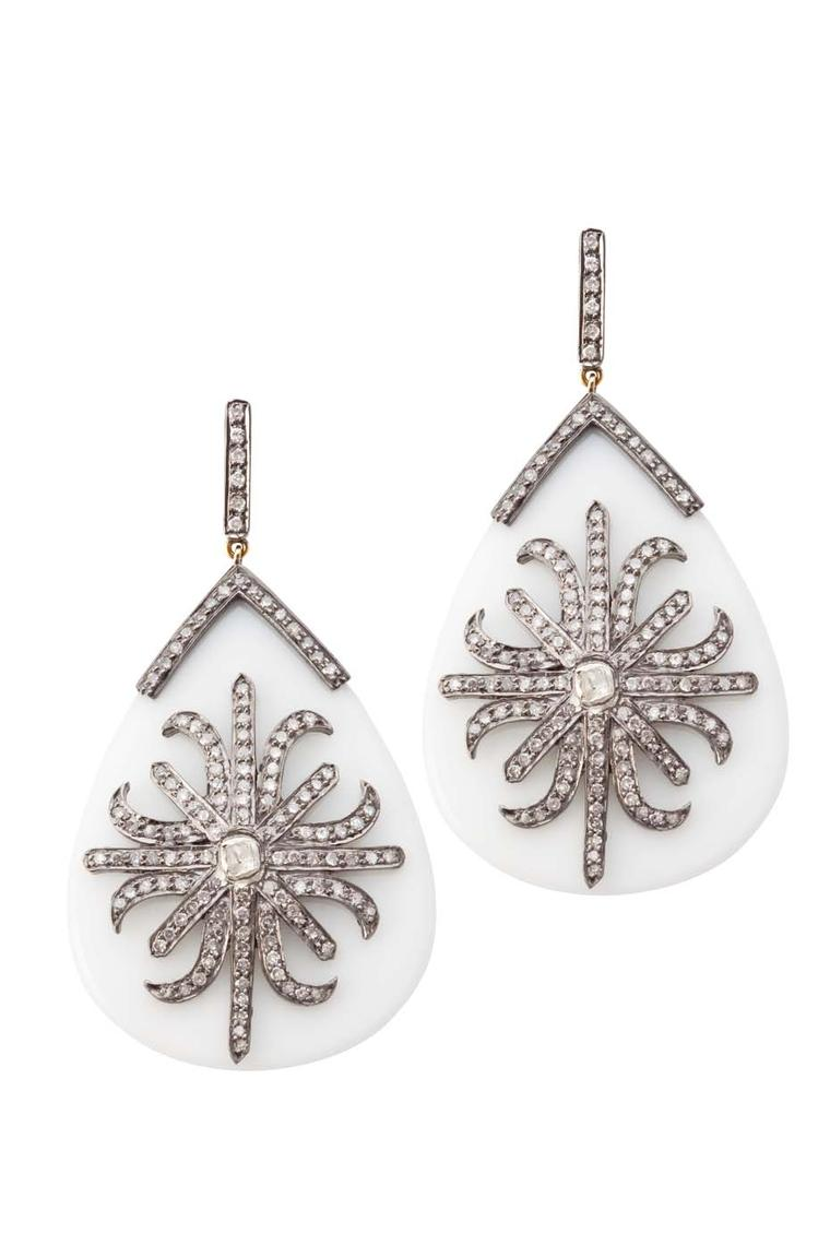 Elena C gold and silver earrings featuring white diamonds and white agate, as worn by Queen Rania (2,795€).