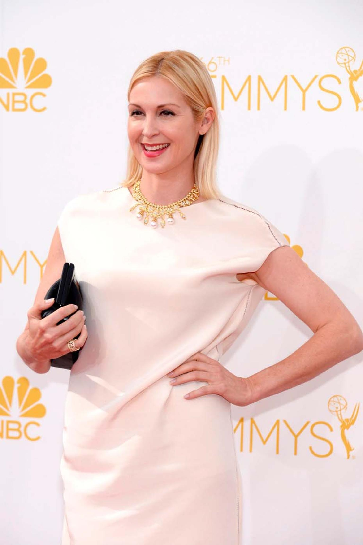 Gossip Girl actress Kelly Rutherford chose a Van Cleef & Arpels Heritage range necklace in yellow gold with cultured pearls and diamonds as well as a Snowflake ring in yellow gold and diamonds.