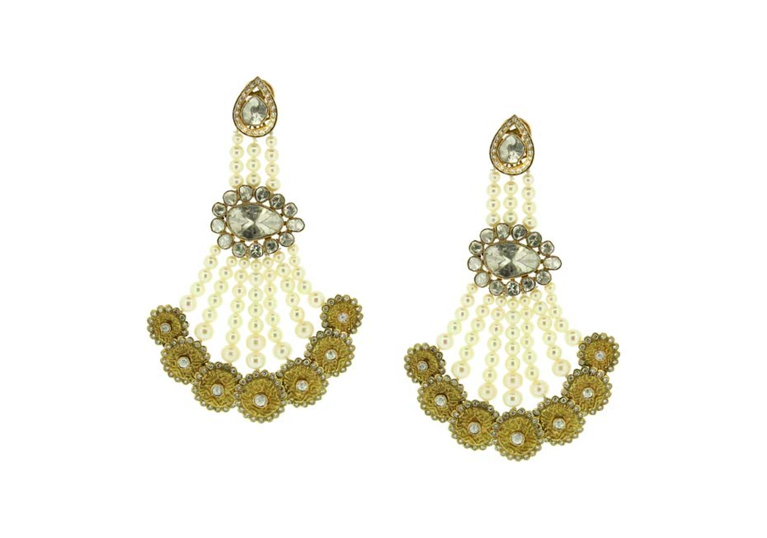 Birdhichand Ghanshyamdas Aks collection Coin earrings with pearls and uncut and brilliant-cut diamonds.