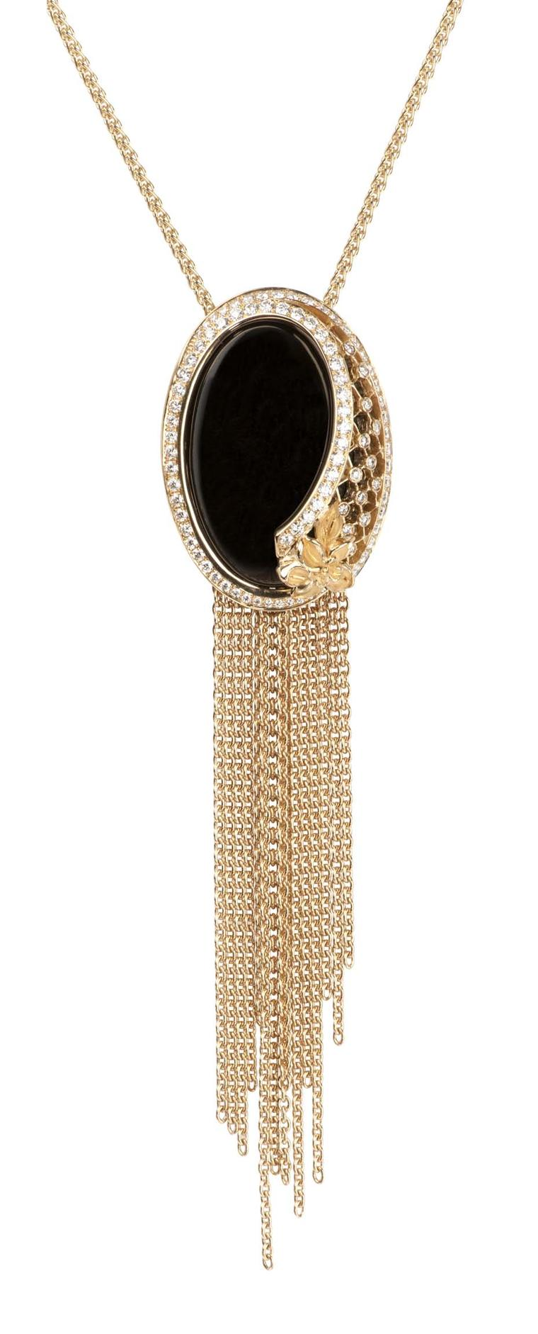 Carrera y Carrera Sierpes maxi necklace in yellow gold, onyx and diamonds.
