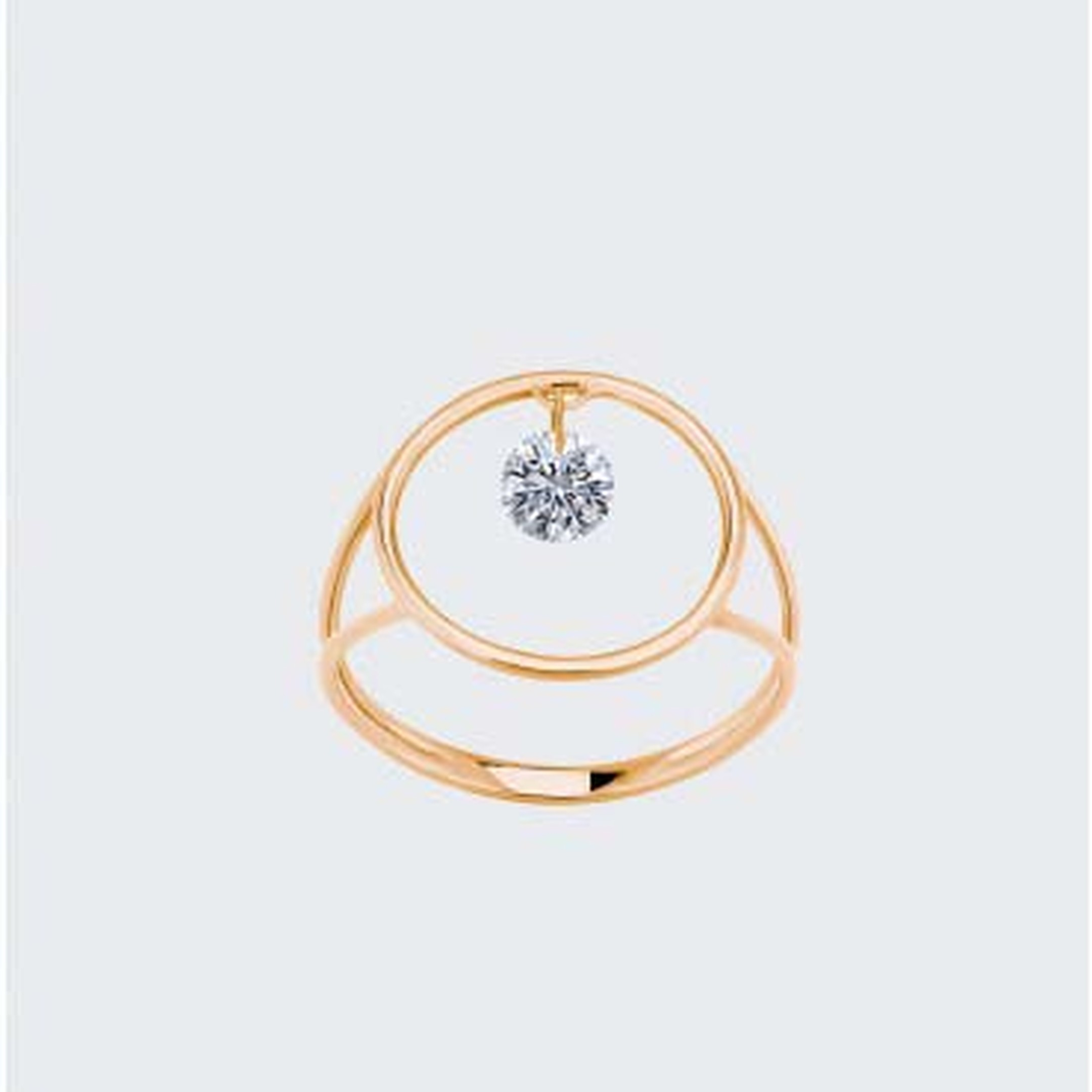 La Brune et La Blonde's rose gold Nude Diamond ring was crafted using an innovative technique that frees the diamond from a traditional setting, enabling it to be viewed from 360 degrees, optimising its brightness.
