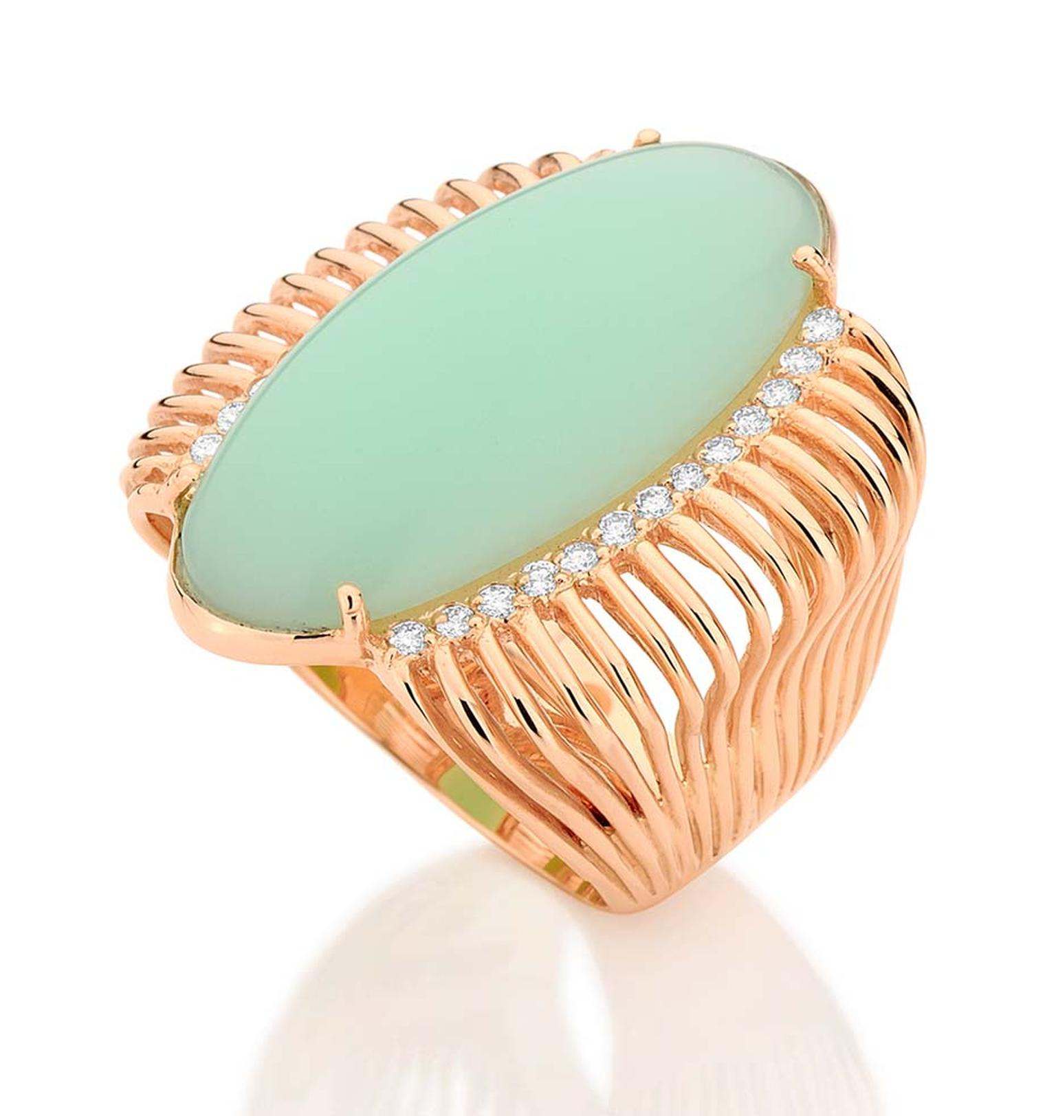 Carla Amorim Pistachio chrysoprase ring in pink gold with diamonds.