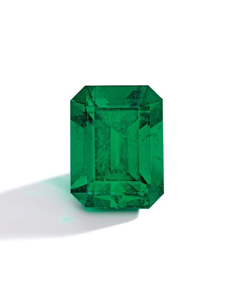 A 35.72ct step-cut Colombian emerald ring from the famous Muzo mine, which features an unusually rich and even blue-green colour and exceptional clarity, sold for US$4,345,361 (estimate: US$4-4.6 million).