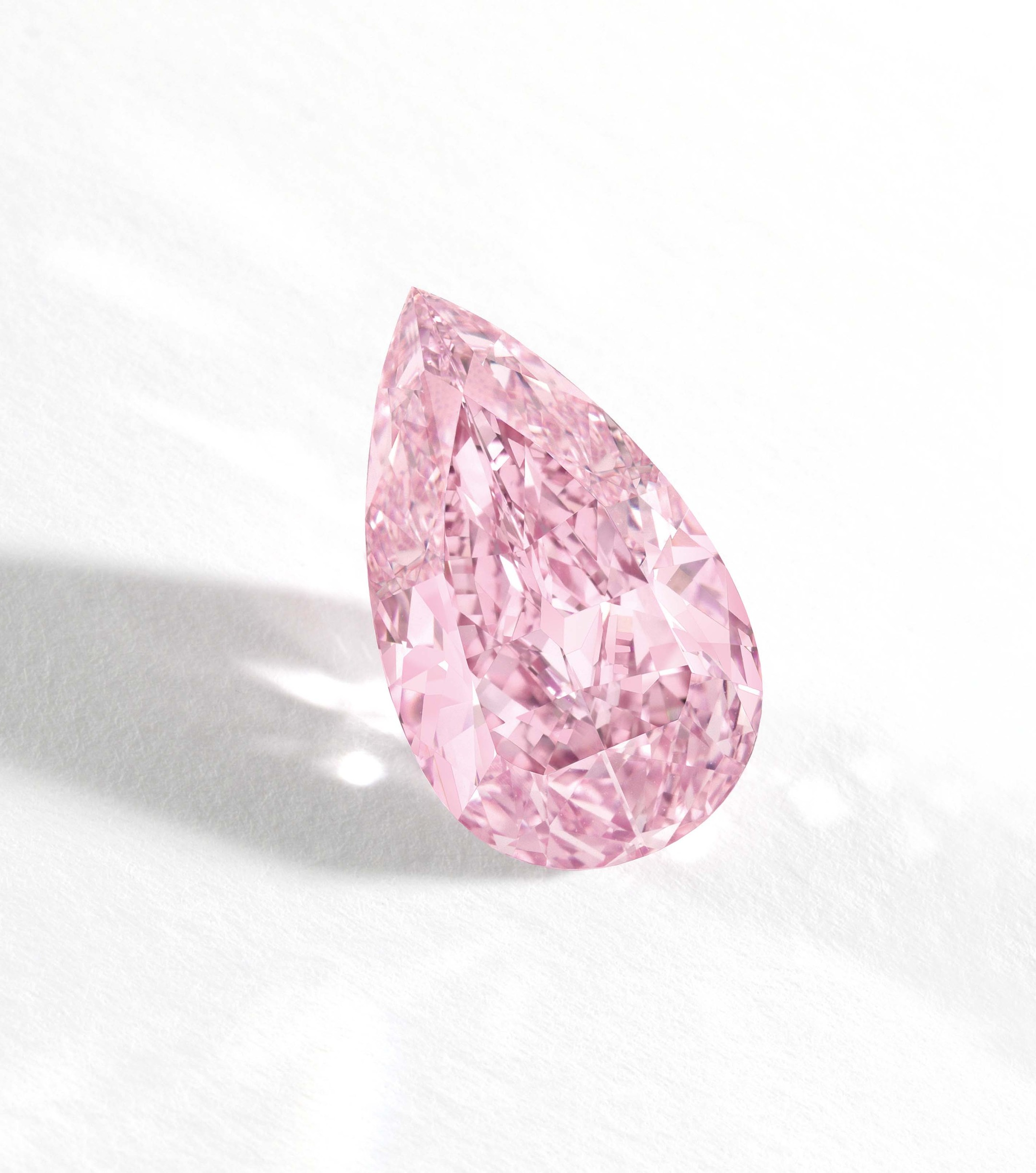 The star attraction of Sotheby's Magnificent sale in Hong Kong on 7 October 2014 was a 8.41ct Internally Flawless Fancy Vivid Purple-Pink Diamond. It realised US$17.7 million (estimate: US$13-15.5 million), setting a new world auction record for a Fancy V