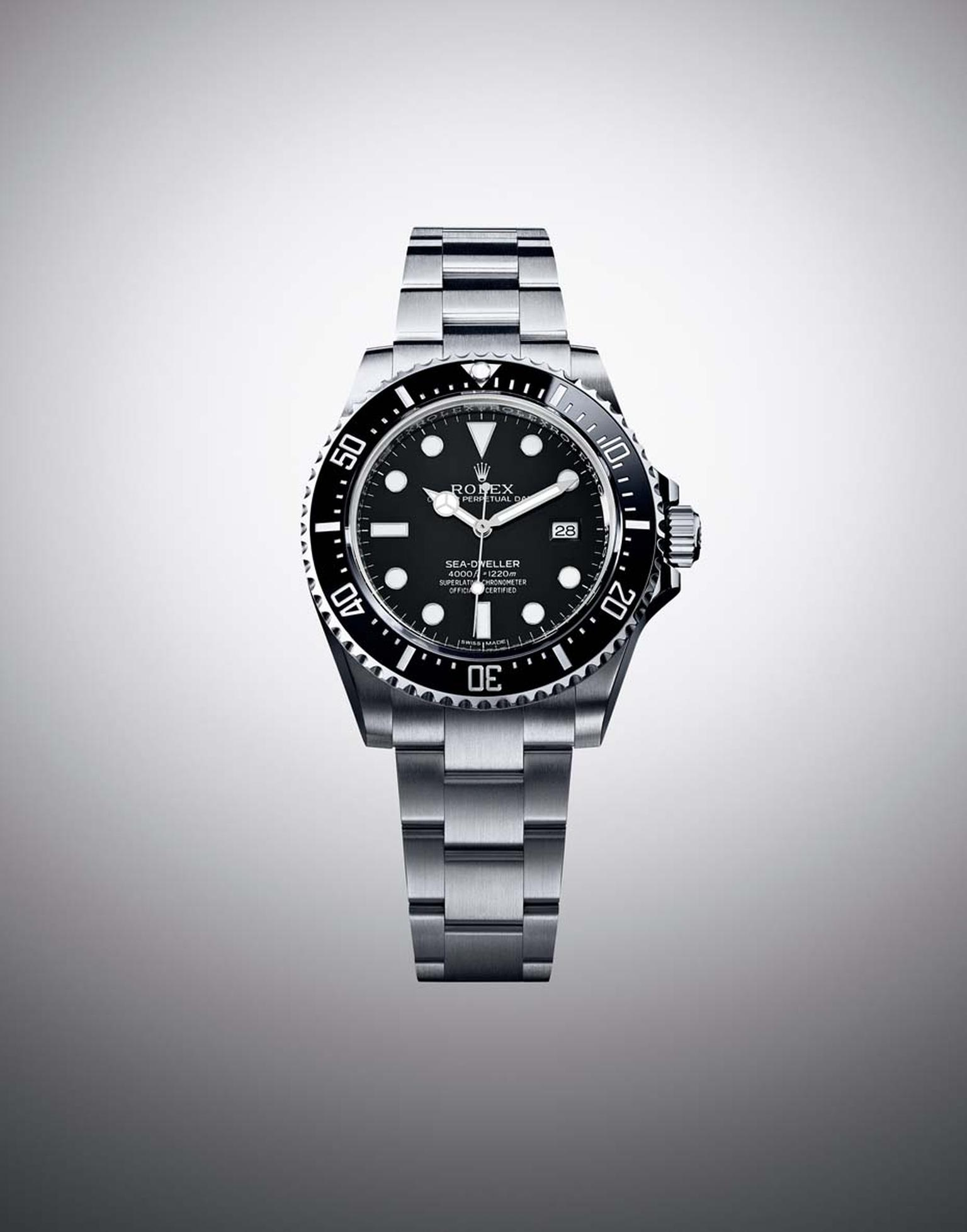 The Rolex Oyster Perpetual Sea-Dweller 4000 watch is a contemporary version of the legendary 1967 Sea-Dweller. This 40mm professional diver's watch can fathom depths of 1,200m. Fitted with Rolex calibre 3135, the self-winding mechanical movement is, like