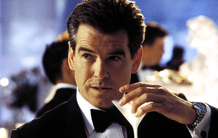 Pierce Brosnan as 007 in Die Another Day, wearing the Omega Seamaster Professional 300m quartz watch.