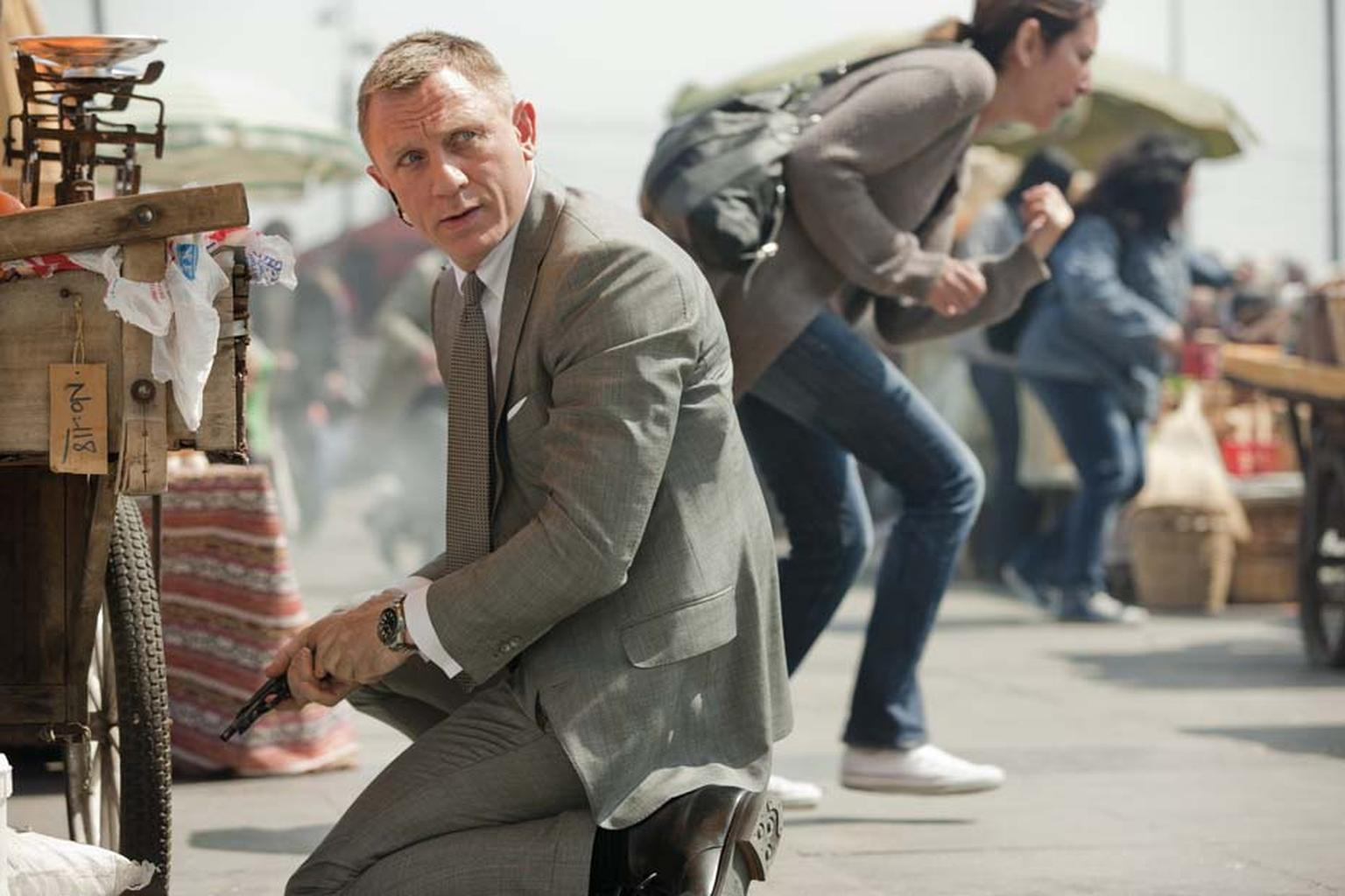 Daniel Craig in Skyfall sporting the OMEGA Seamaster watch.