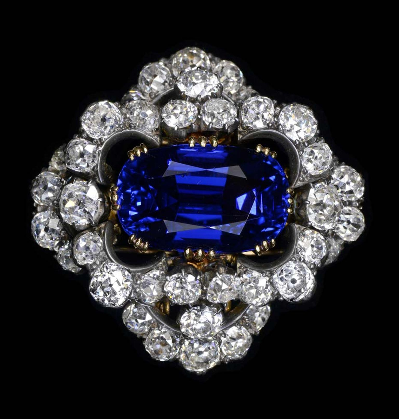 Dehres from Hong Kong is bringing this magnificent non-heated 37.29 carat Burmese sapphire brooch, given to Elizabeth Taylor by her husband Richard Burton, to Fine Art Asia 2014.