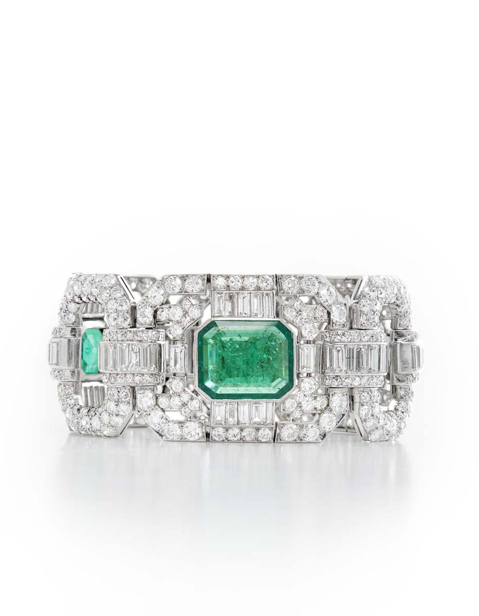 A highlight at Palais Royal Paris, Paris and Hong Kong, is this important Art Deco diamond and emerald bracelet, circa 1930.