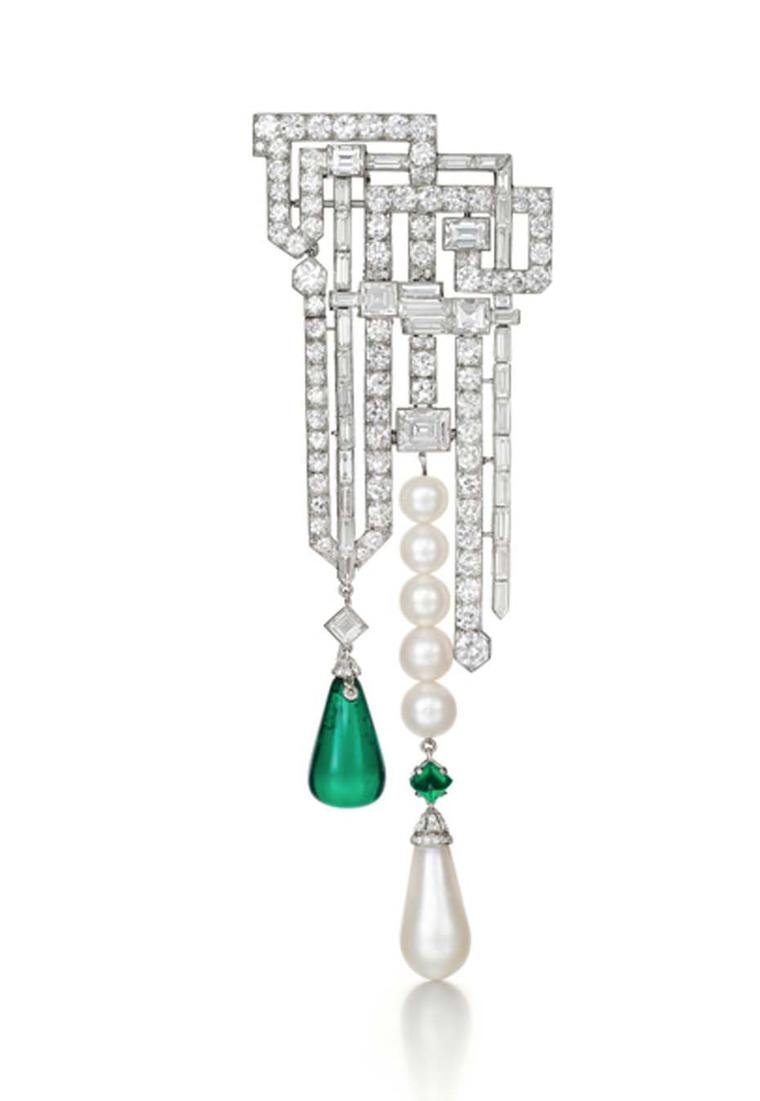 Siegelson's Van Cleef & Arpels diamond, emerald and pearl brooch dating from 1926.