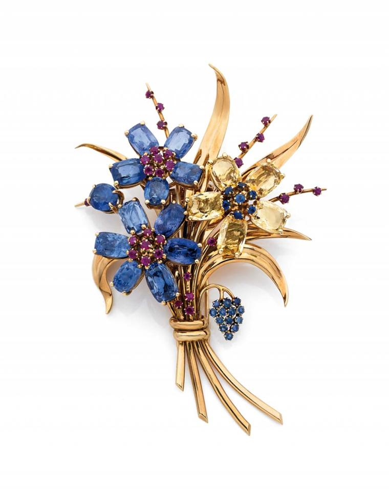 From Paris is Galerie Bruno Pepin, which is exhibiting this Van Cleef & Arpels Hawaii brooch in yellow gold with sapphires circa 1945.