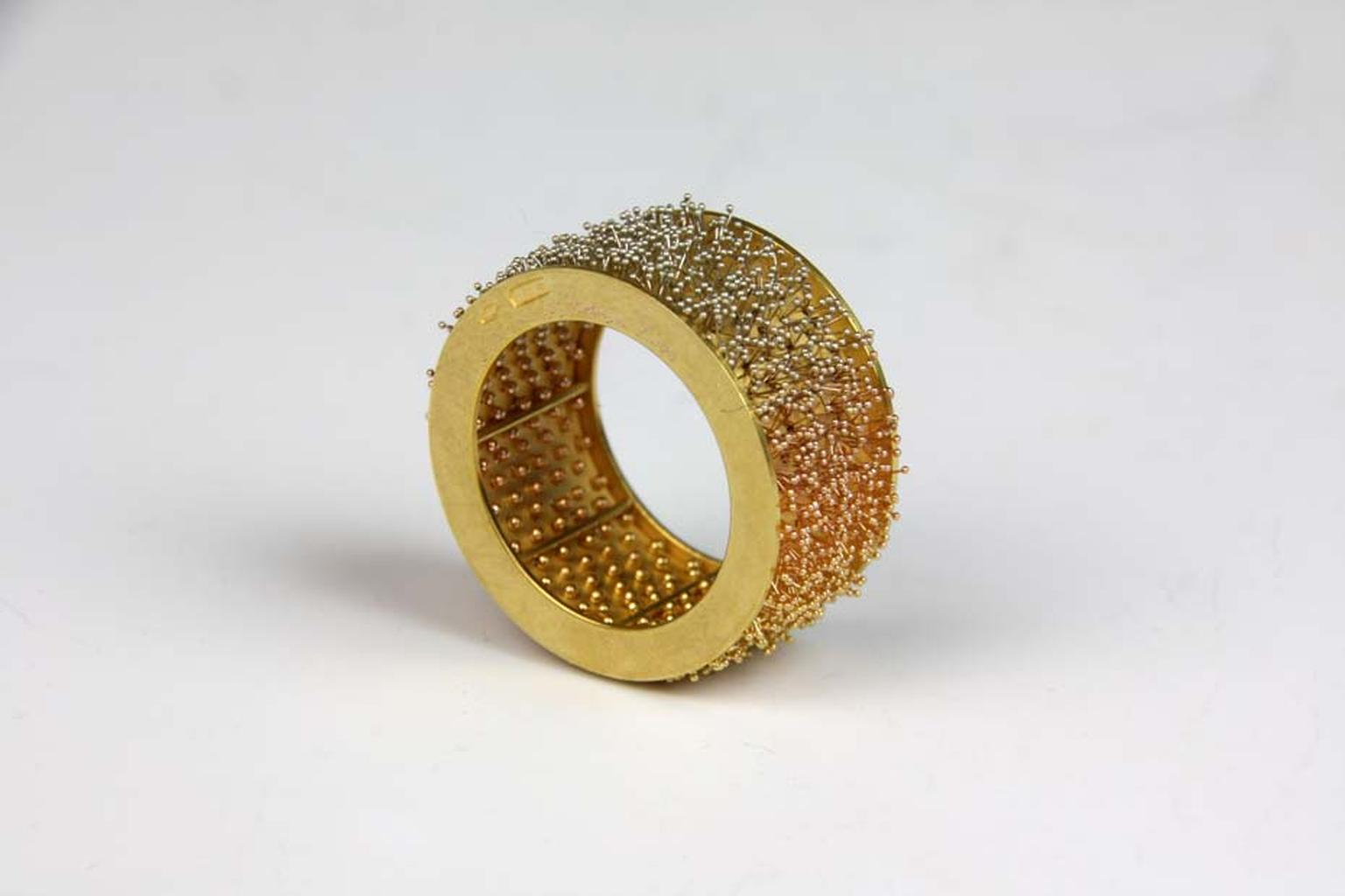 Giovanni Corvaja ring with gold and platinum wire. Image courtesy of Adrian Sassoon, London.