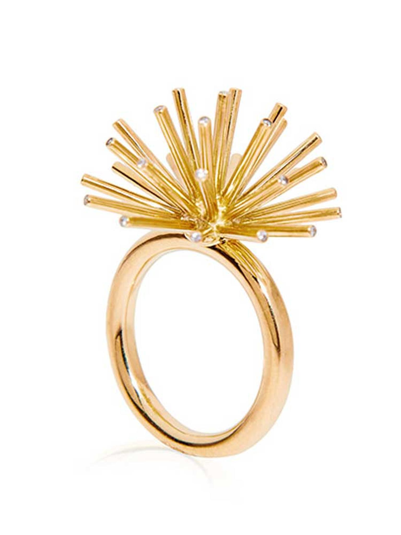 Coléoptère Asterisk ring in gold, available from Moda Operandi.