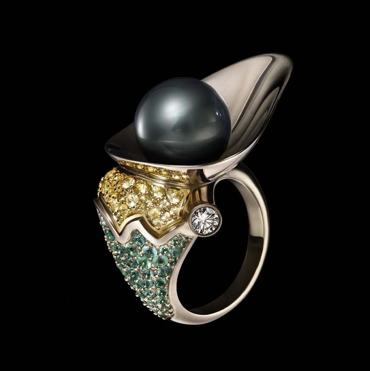 Dashi Namdakov Pearl ring in white and yellow gold with diamonds, yellow sapphires, emeralds and pearls.