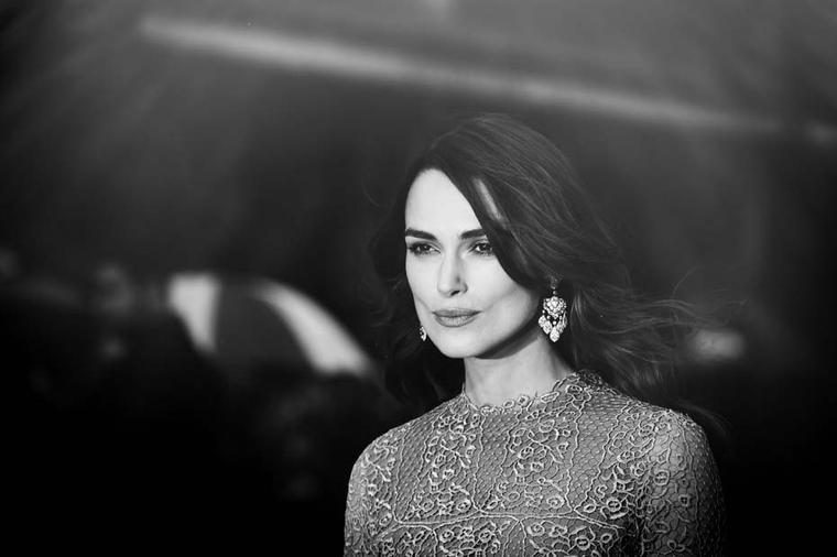 Festival.  It is not the first time that Keira has sparkled in David Morris jewels. Last year she wore several of the London jeweller's pieces, including the Wildflower pearl necklace, for a feature in Rika magazine.