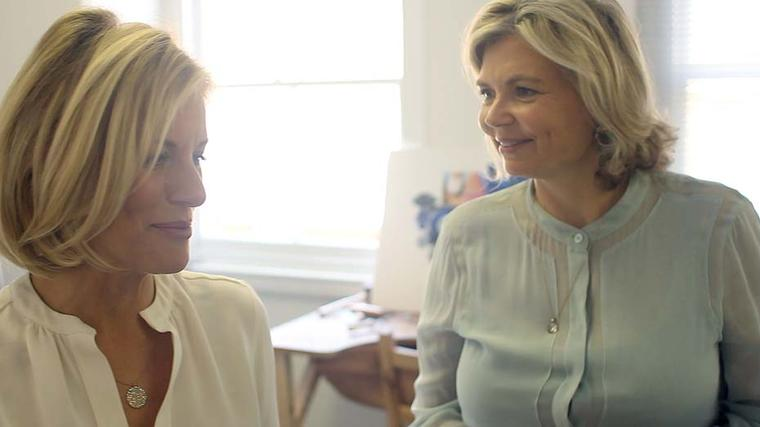 Bec Astley Clarke and Maria Doulton chat in the Astley Clarke design studio, which is located in a quintessentially London mews.