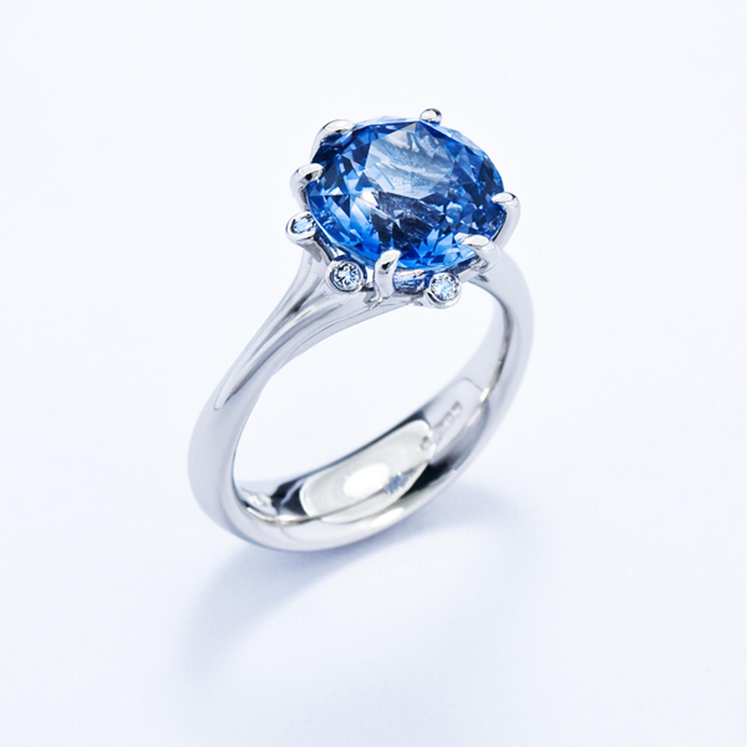Jon Dibben Meadow sapphire engagement ring in platinum.