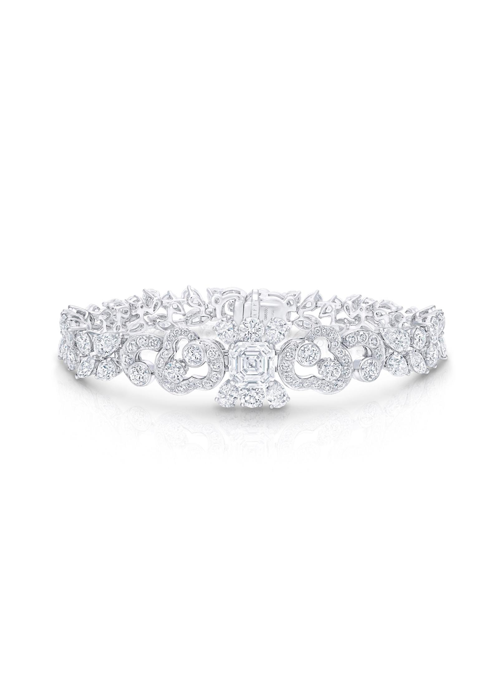 Graff Nuage collection diamond bracelet.