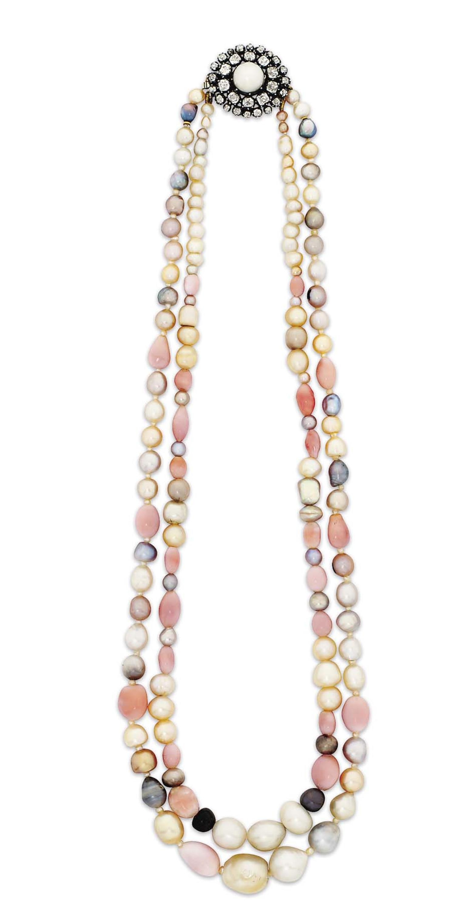 Lot 334 is not the most expensive or even the most beautiful, but it is intriguing: a late 19th century conch pearl necklace with a mix of natural and nubby conch pearls sold for £11,875, (estimate: £3,000-5,000).