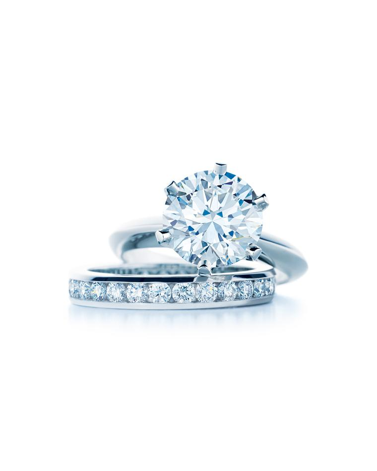 Round brilliant diamond engagement rings: unrivalled in popularity and sparkle