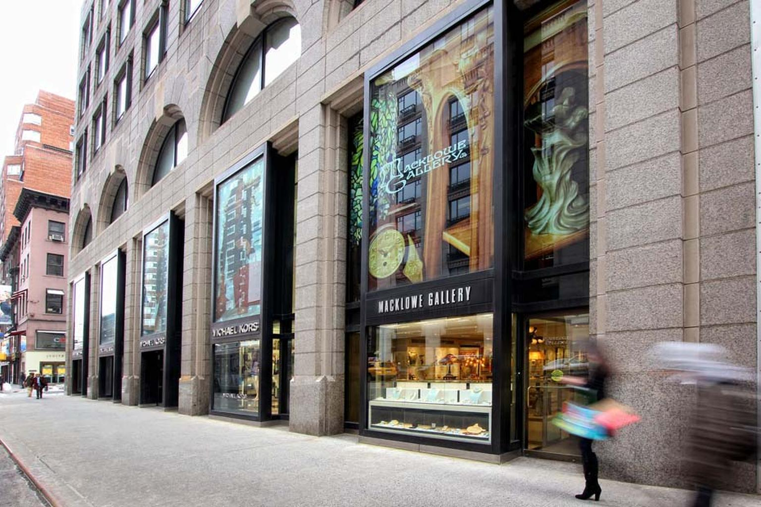 Hunting for antique jewelry in new york the epicenter of for Antique jewelry stores nyc