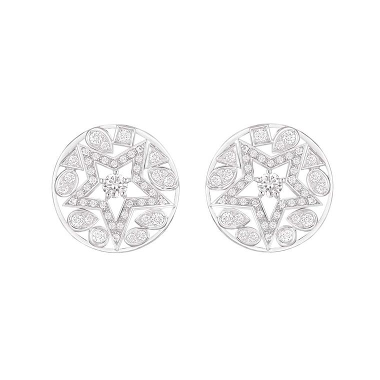 Chanel Étoile Filante earrings in white gold with 93 brilliant-cut diamonds, from the Comete collection.