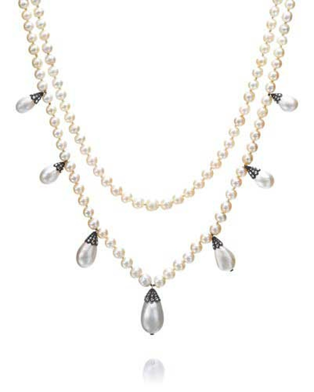 Another highlight of Sotheby's Magnificent and Noble Jewels auction in Geneva was a natural pearl and diamond necklace that was owned by Joséphine de Beauharnais (1807-1876). The necklace sold for $3.43 million, more than doubling its pre-sale estimate.