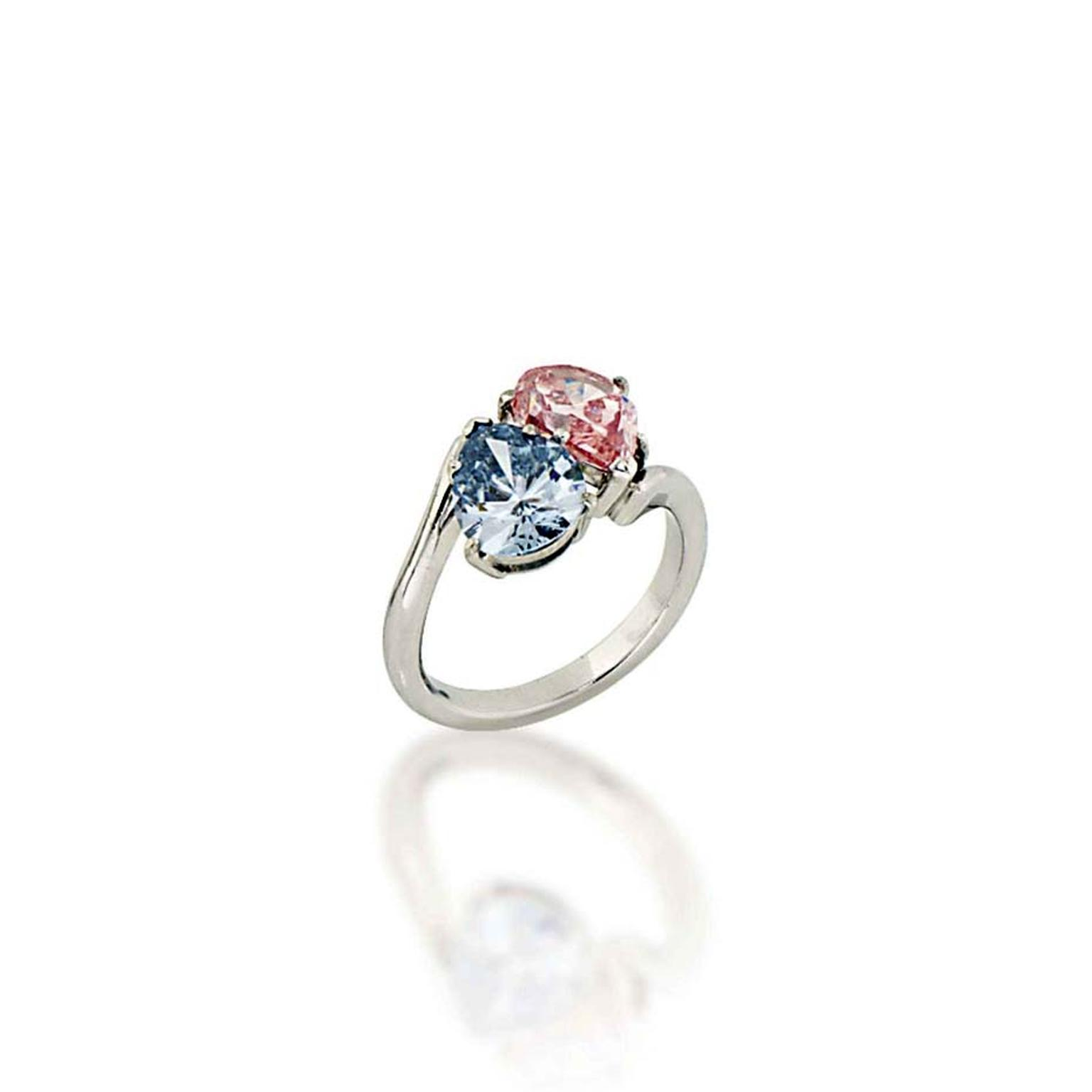 Another top lot at Christie's Important Jewels sale in London on 26 November 2014 was a 1.54ct Fancy Deep Blue diamond and 1.78ct Fancy Intense Pink diamond ring that sold for £752,500 (estimate: £300,000-500,000).