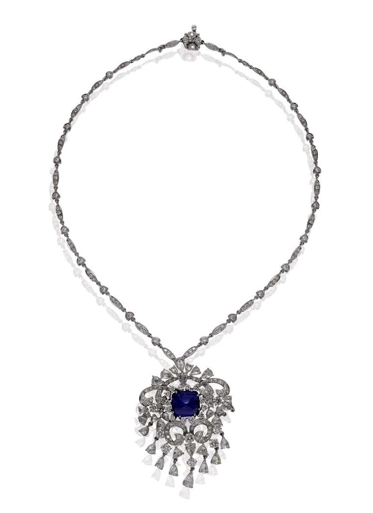 Mirari tanzanite and diamond necklace with a sugarloaf tanzanite centre.
