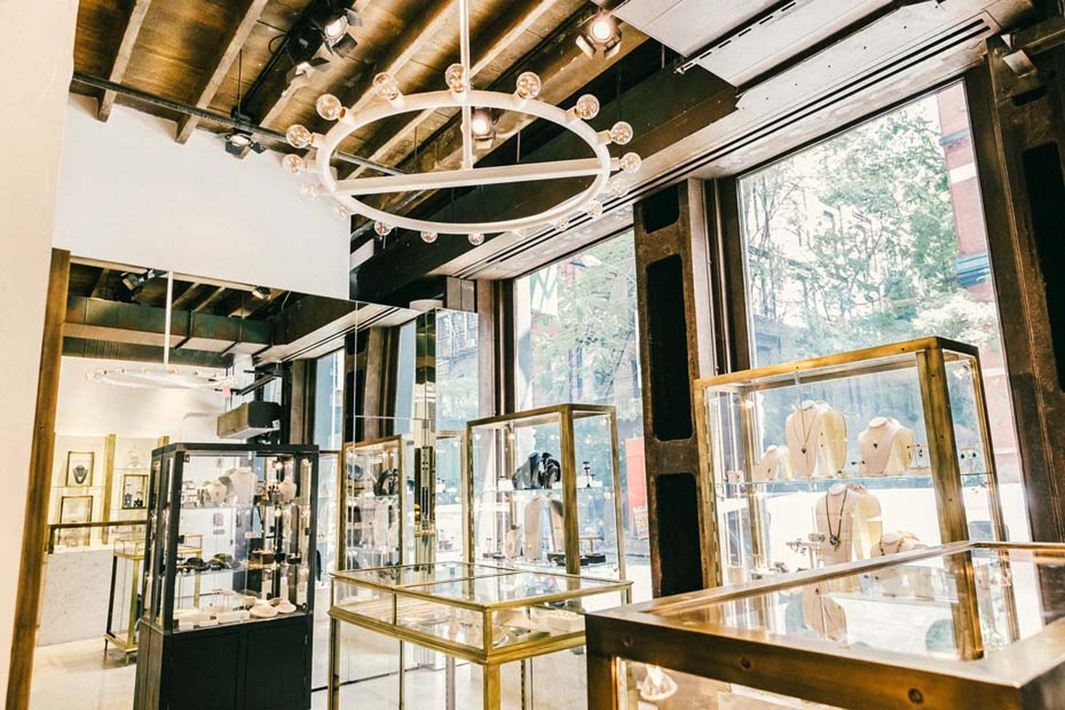 Broken English, the trend-setting jewelry store in Los Angeles, opened its doors in Manhattan this fall, bringing its tightly curated selection of vintage and contemporary jewelry to the East coast.