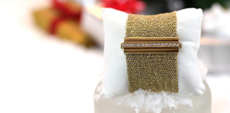 Gift ideas for women: Christmas video of our favourite bracelets under £10000