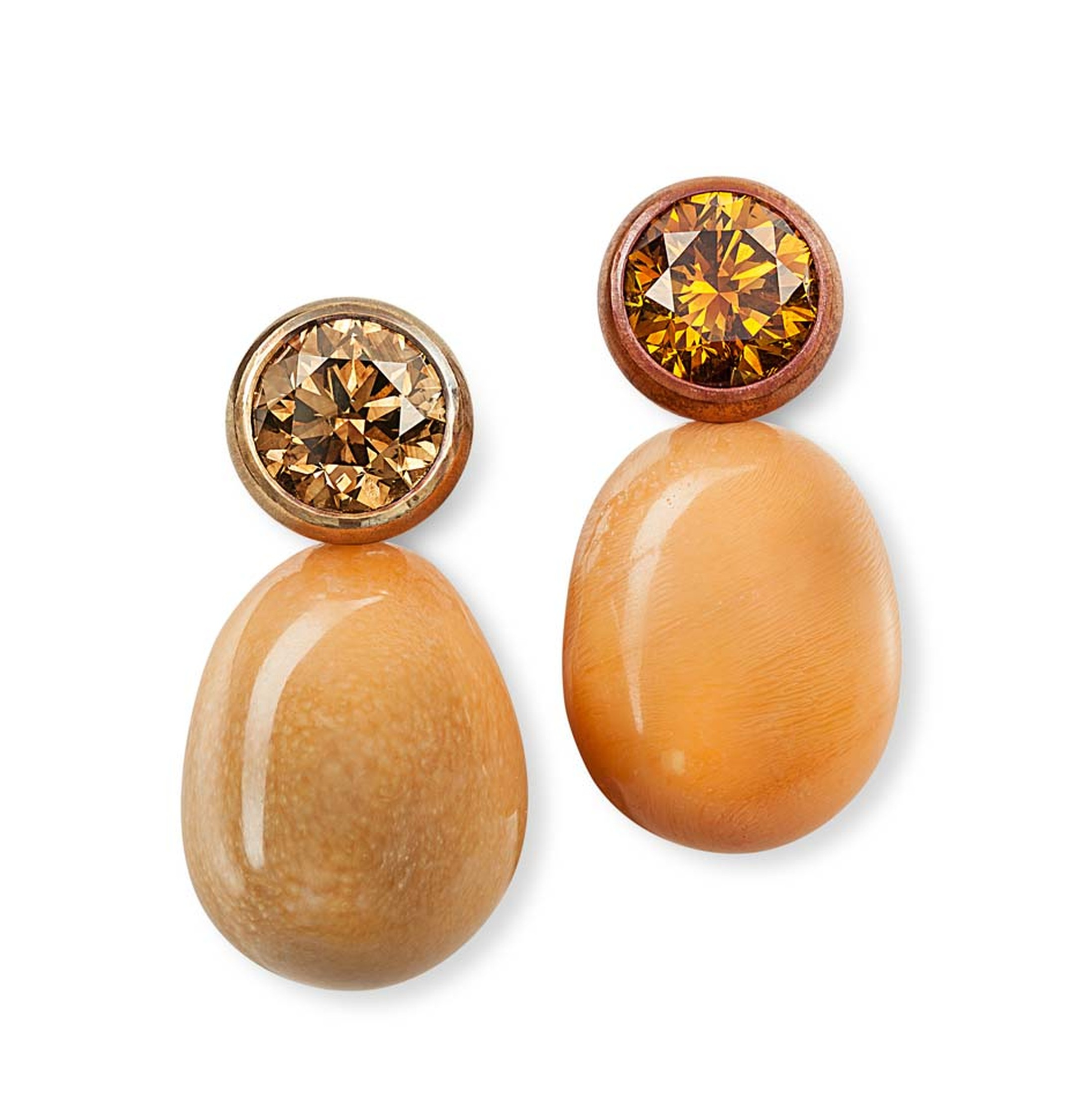 Hemmerle earrings with Melo pearls and diamonds set in copper and gold.