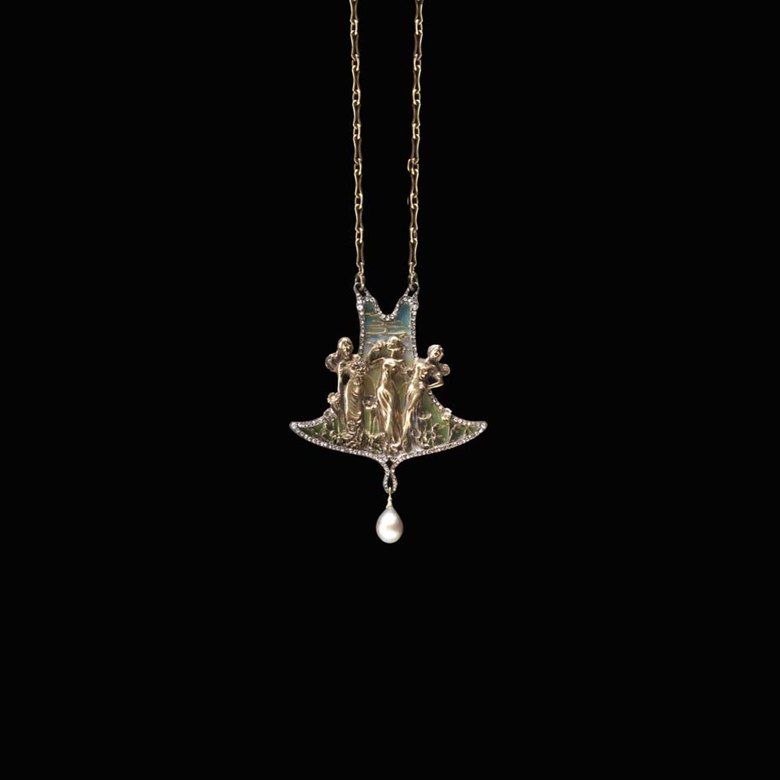 Joë Descomps Three Grace pendant. On display at the Driehaus Museum Maker & Muse exhibition.