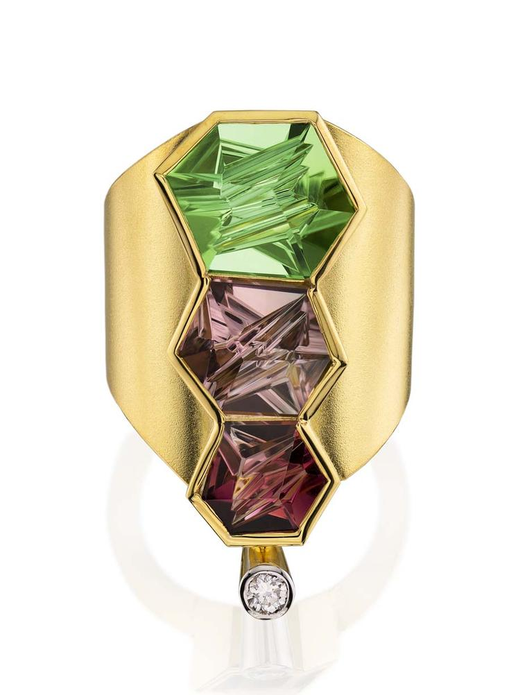 Atelier Munsteiner ring in gold featuring three coloured tourmalines cut from within and a brilliant-cut Spirit diamond.