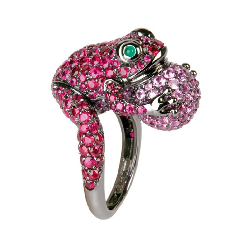 Boucheron frog ring with sapphires.