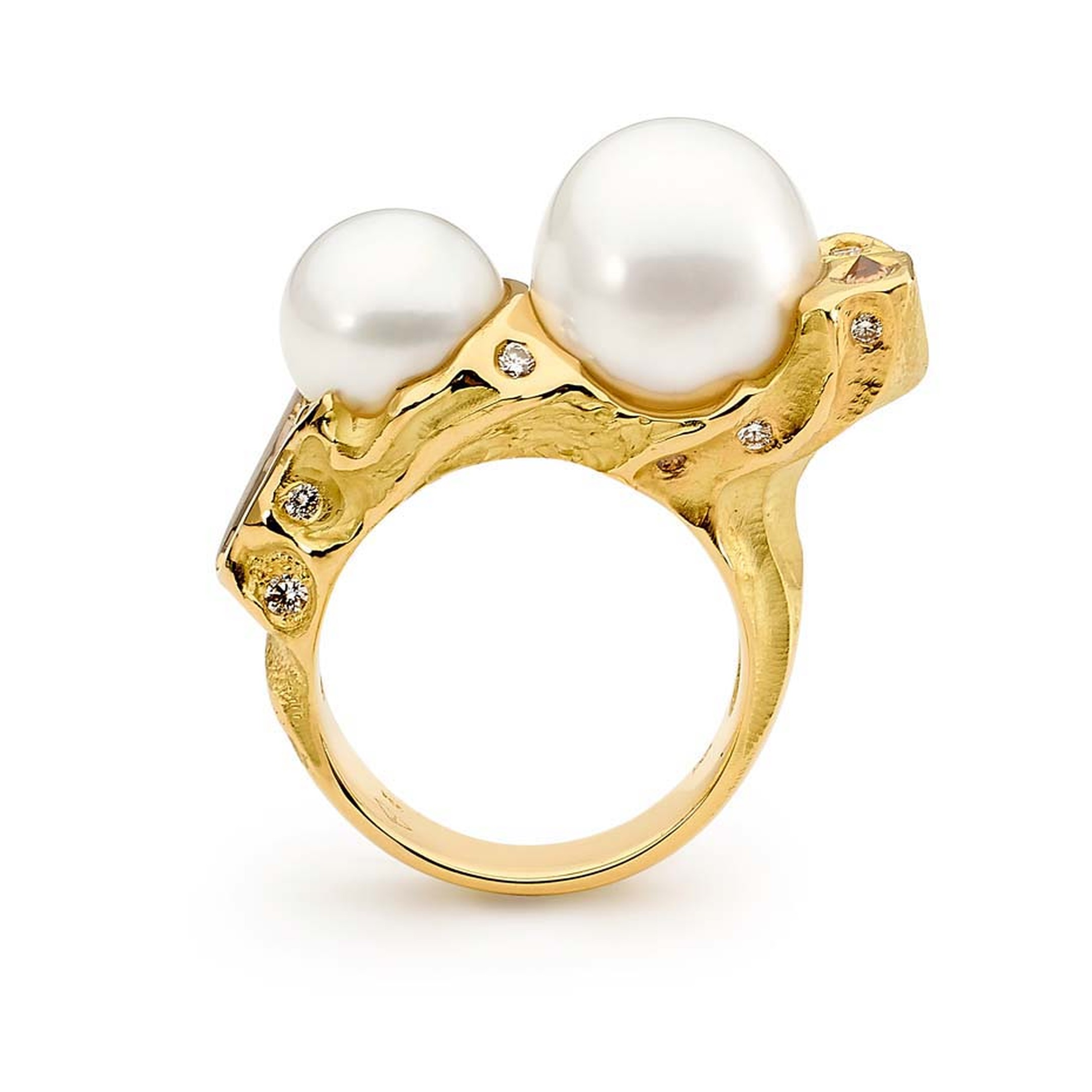 Linneys ring in two-tone gold with two Australian South Sea pearls.