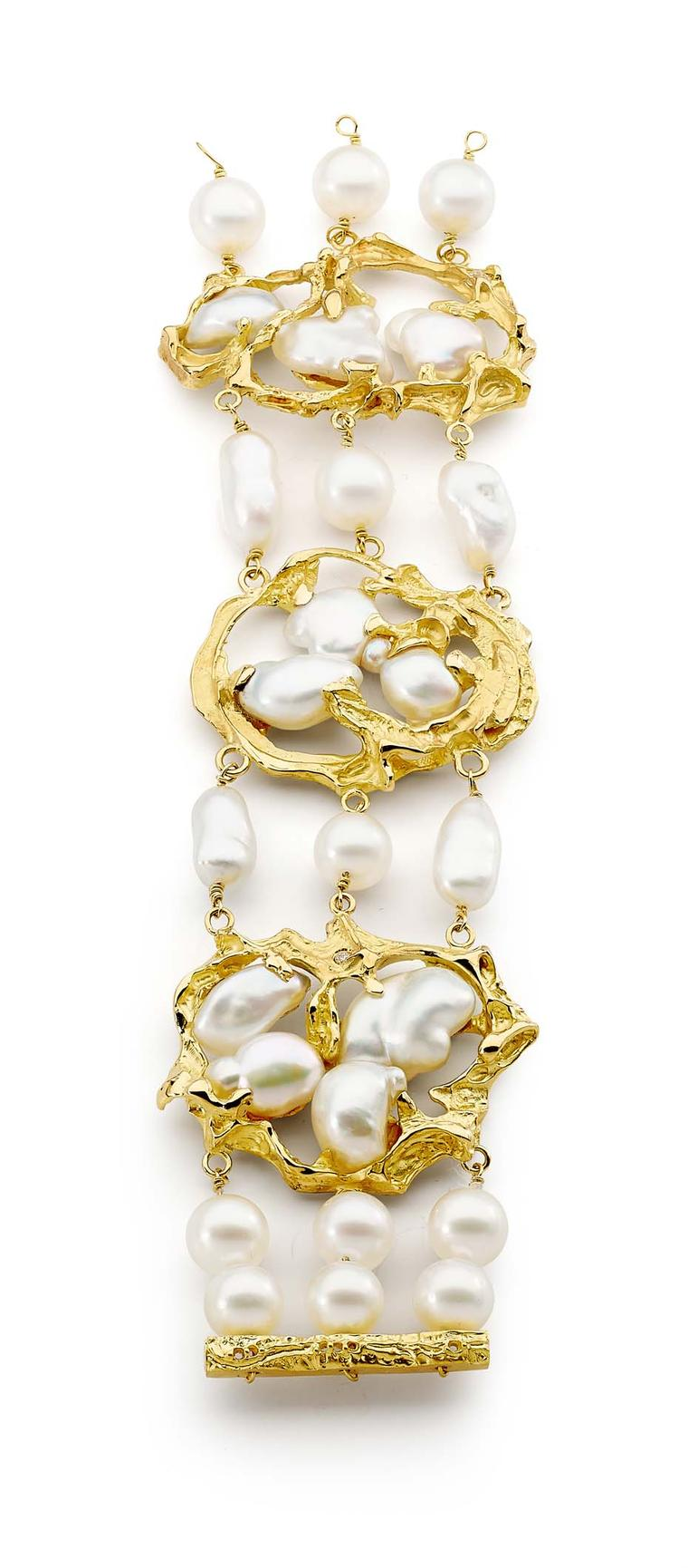 Linneys bracelet in white and yellow gold with Australian South Sea pearls and diamonds.
