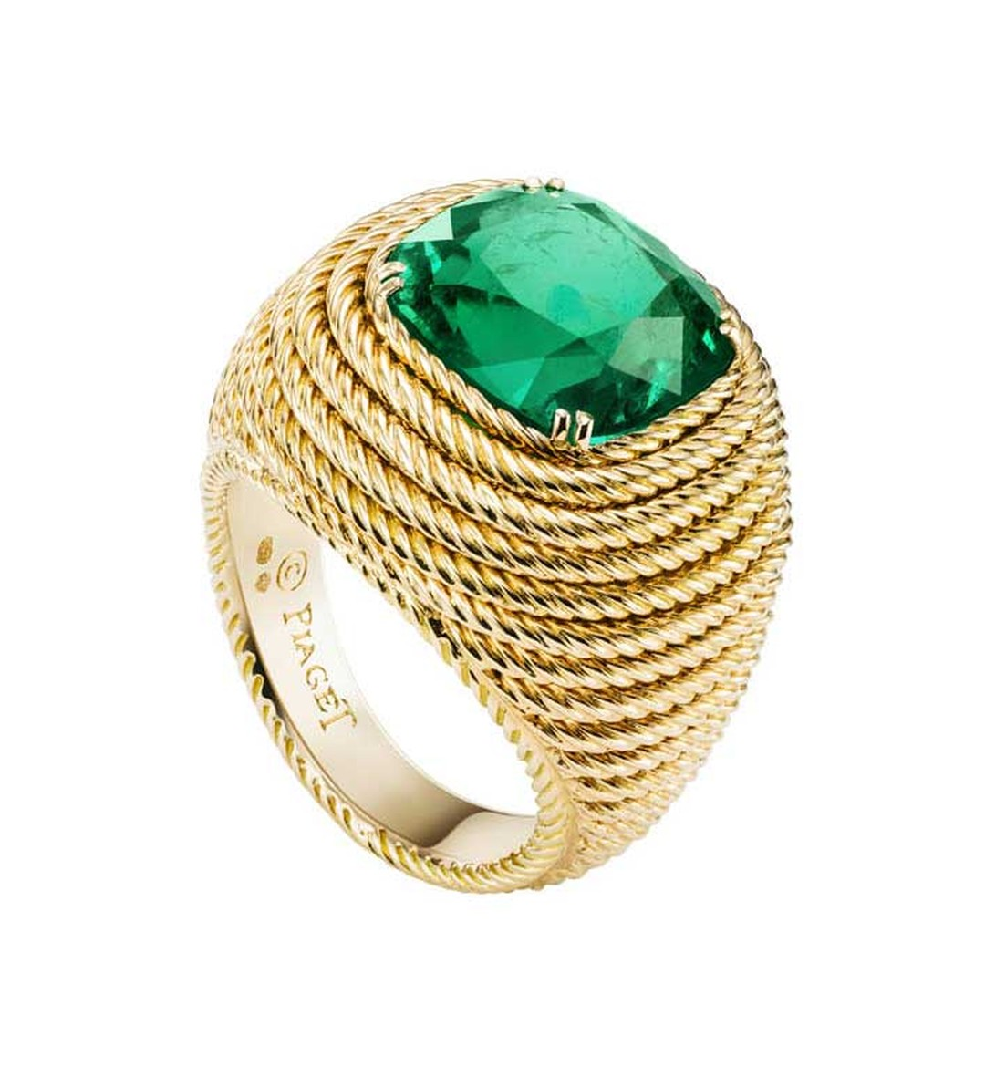 Extremely Piaget  ring in yellow gold with a 7.30ct cushion-cut emerald surrounded by gold ropes.