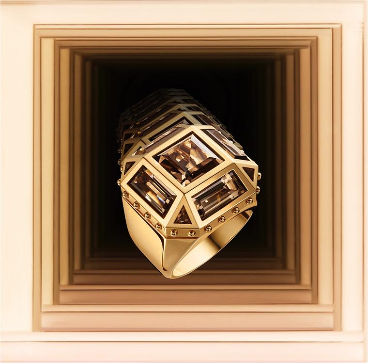 Louis Vuitton Emprise ring in yellow gold, set with a smoky quartz.
