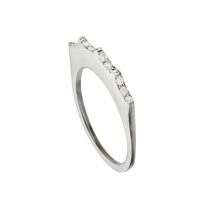 Mimata diamond ring in white gold, from the Empress collection.