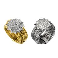 Mimata Nest rings in in yellow and white gold with diamonds, from the Stars collection.